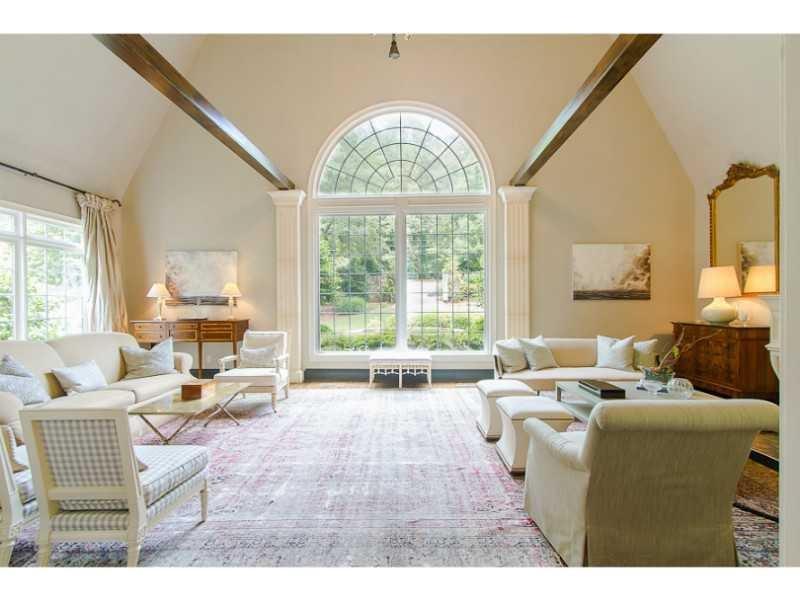 Living Room. Living Room with vaulted ceiling and beautiful Palladian window