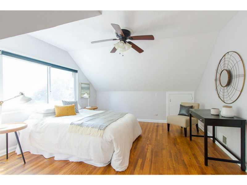 Bedroom 2. Large stairs bedroom, newer windows and ceiling fans,