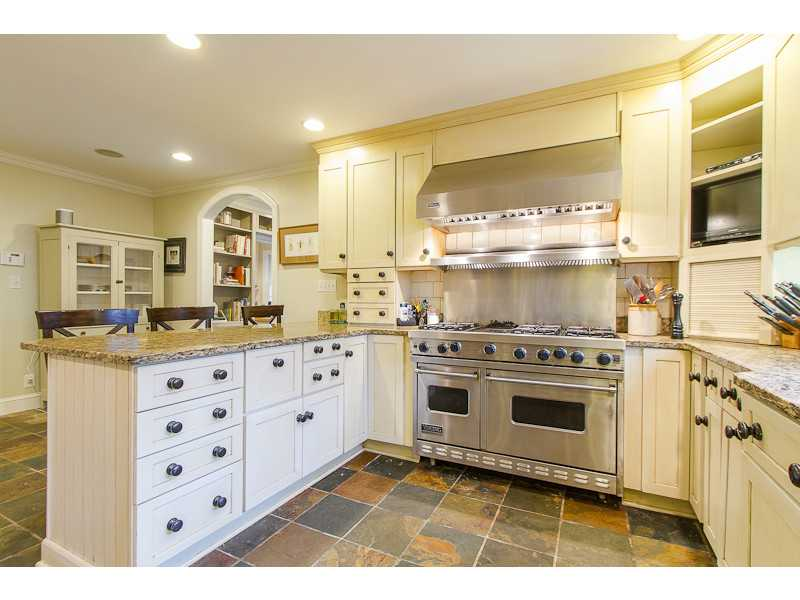 Kitchen. Fabulous chef s kitchen with Viking range, stainless appliances and granite counters