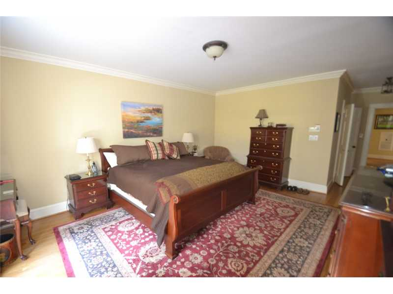 Master Bedroom. Spacious Master bedroom with walk-in closet and great views overlookig backyard.