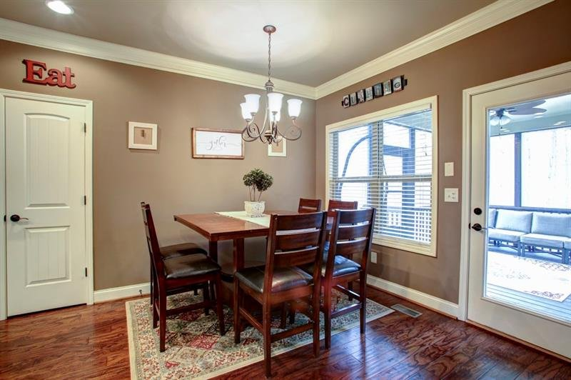 Oversized breakfast area easily accommodates a large family of 8 or entertaining friends!