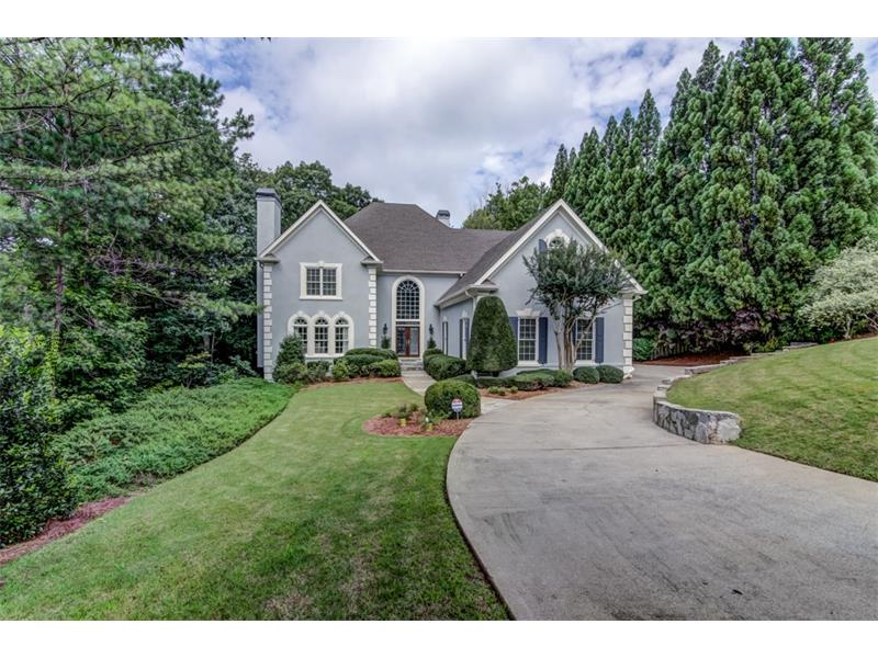 Beautiful home in the desirable River Highlands section of Horseshoe Bend. Exterior has been freshly painted.