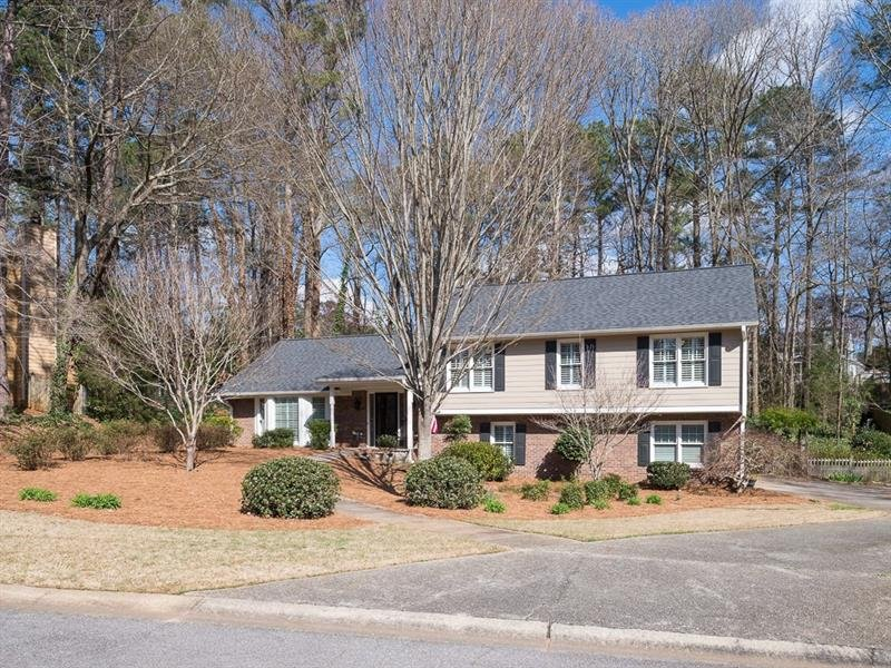 1410 Churchill Way - Marietta - Roswell Downs