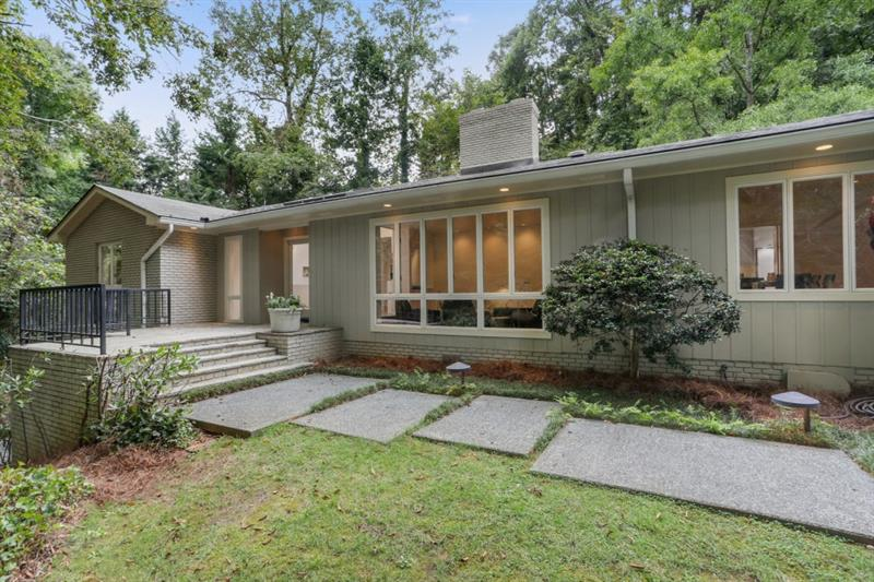 5234 Powers Ferry Road - Sandy Springs - Chastain Park
