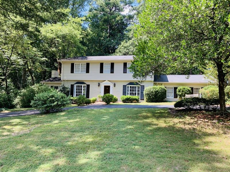 3380 Pinestream Road - Atlanta - Buckhead