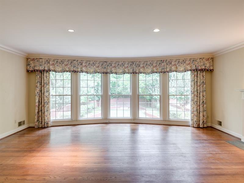 1020 Foxcroft Road NW - Atlanta - Kingswood