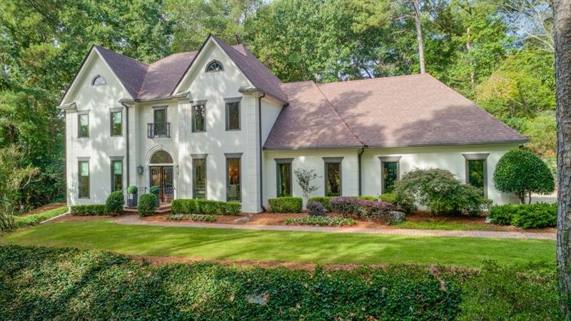 5500 Glen Errol Road - Atlanta - Glen Errol